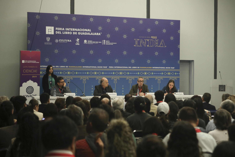 """Autoridades universitarias """"Letras Libres"""" su 20 aniversario en FIL"""