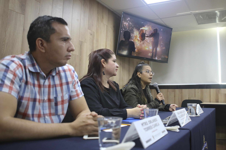 Académicos en la rueda de prensa de la creación de la plataforma INDEX para difundir obras fotográficas de estudiantes del CUAAD