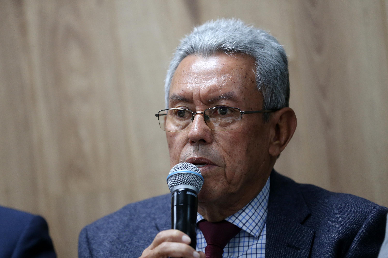 El doctor Guillermo García García, del Servicio de Nefrología del Antiguo Hospital Civil de Guadalajara (HCG) Fray Antonio Alcalde