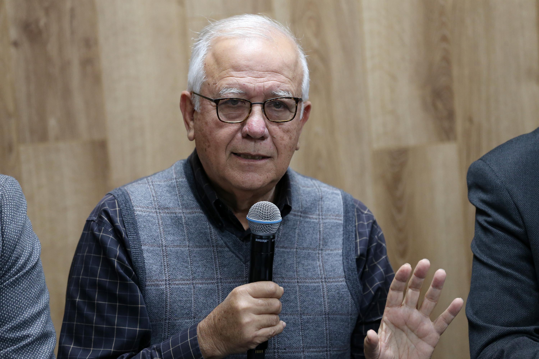 El doctor Felipe Lozano Kasten, profesor investigador del Departamento de Salud Pública del CUCS