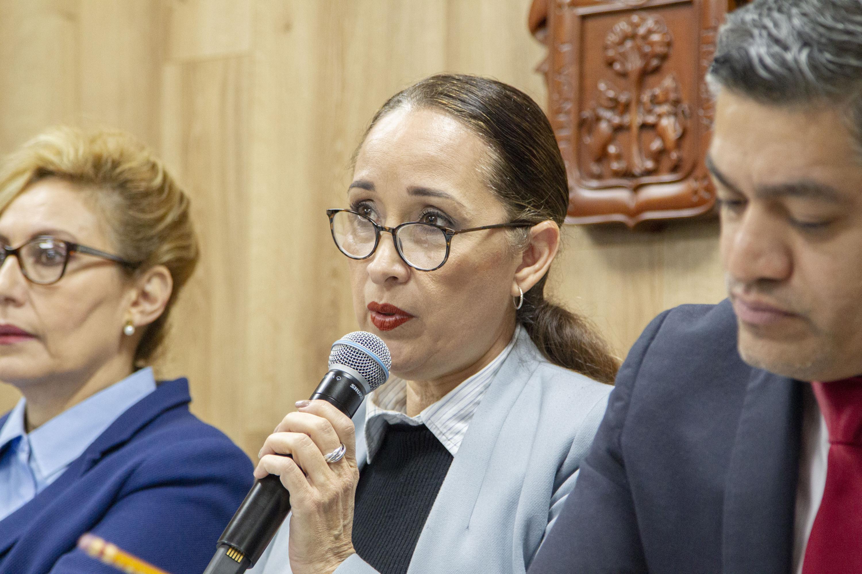 La Presidenta del Comité de Ética de Investigación, del Centro Universitario de Ciencias de la Salud (CUCS), doctora Irene Córdova Jiménez
