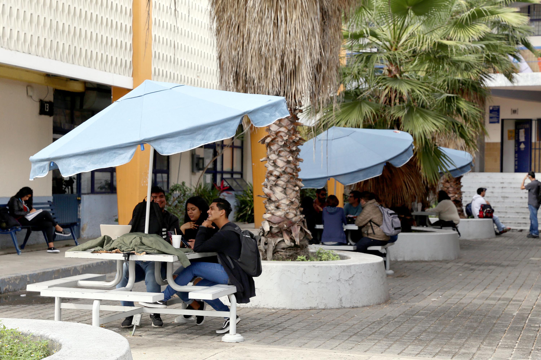 Escuela de Filosofía, del Centro Universitario de Ciencias Sociales y Humanidades (CUCSH)