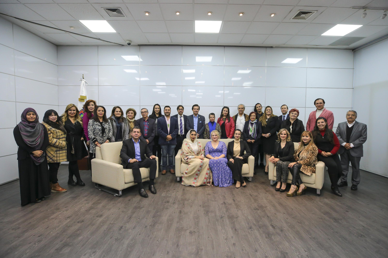 Participantes a el conversatorio Los negocios en el mundo árabe con perspectiva de género