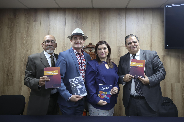 Académicos en Rueda de prensa para anunciar Radioarte, espacio para difusión académica, artística y cultural de la División de Artes y Humanidades