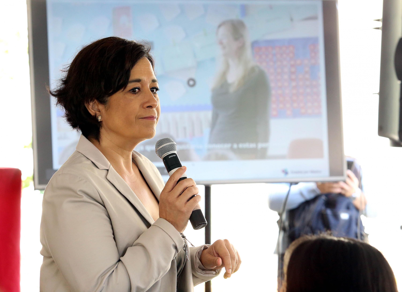 """En una conferencia como parte de la Jornada """"Entre nosotras hay científicas"""", en el marco del Día Internacional de la Mujer y la Niña en la Ciencia, organizada por UDGVirtual"""