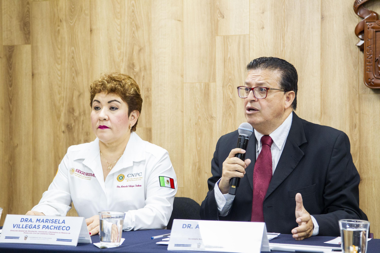 El Secretario Académico del CUSur, doctor Andrés Valdez Zepeda, en uso de la palabra