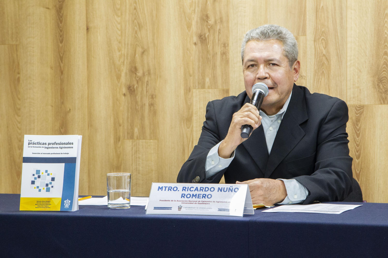 El Presidente de la Asociación Nacional de Egresados de Agronomía de la UdeG, maestro Ricardo Nuño Romero