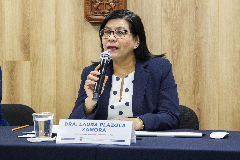 La Jefa de la Unidad de Gestión Curricular, de la Coordinación de Innovación Educativa y Pregrado (CIEP), doctora Laura Plazola Zamora, en uso de la palabra
