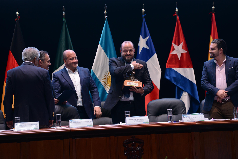El Rector General de la UdeG y Presidente Honorario del CIAM 2020, doctor Ricardo Villanueva Lomelí