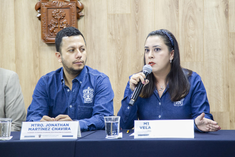 La Jefa de la Unidad de Bienestar Estudiantil de la CSE, maestra Cynthia Vanessa Velarde Zambrano