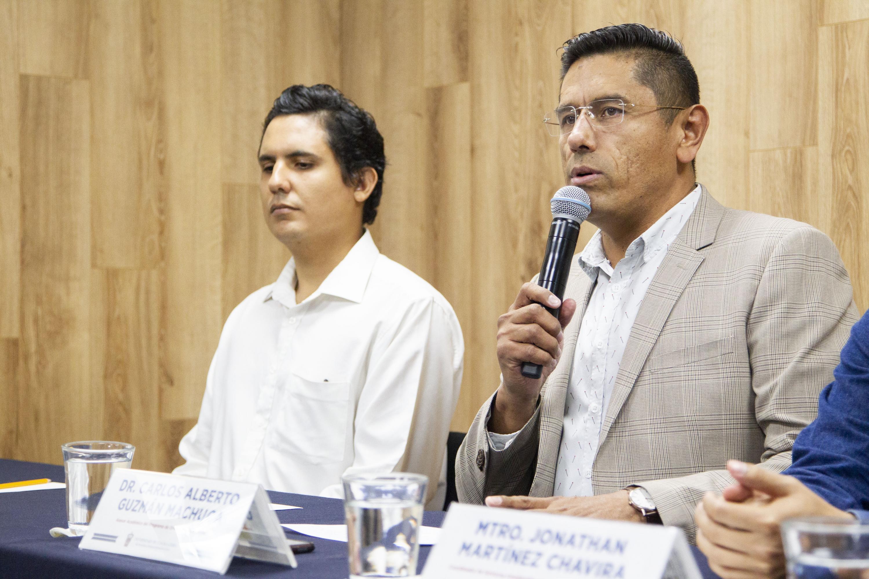 El asesor académico del Programa de Orientación Educativa, maestro Carlos Alberto Guzmán Machuca
