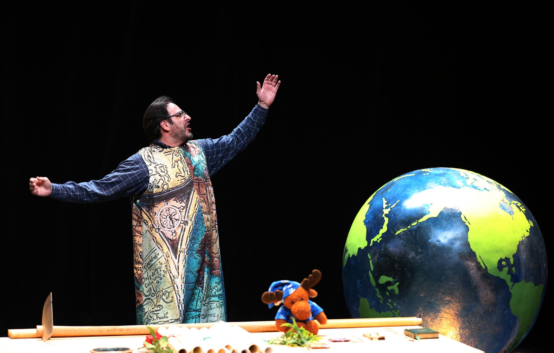 Debido a estas medidas, los teatros locales y nacionales incluyendo los de la Universidad de Guadalajara se vieron en la necesidad de suspender actividades de forma indefinida