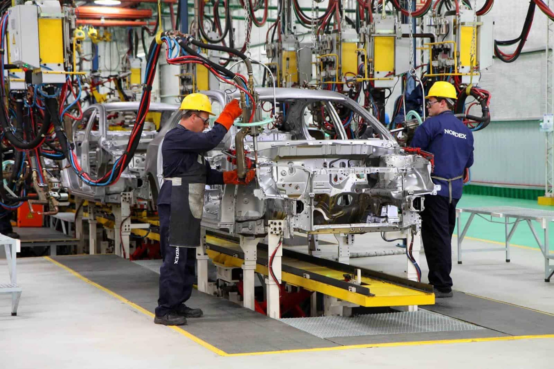 Las afectaciones a la industria automotriz no le conviene a México
