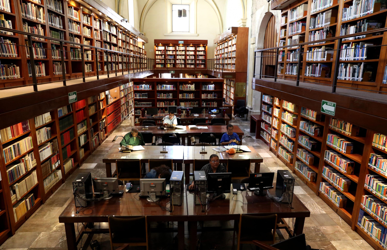 Durante la contingencia del coronavirus (Covid-19), la Biblioteca Iberoamericana Octavio Paz (BIOP) trabaja para que los usuarios que acudían a diario puedan seguir disfrutando los servicios que oferta este recinto universitario