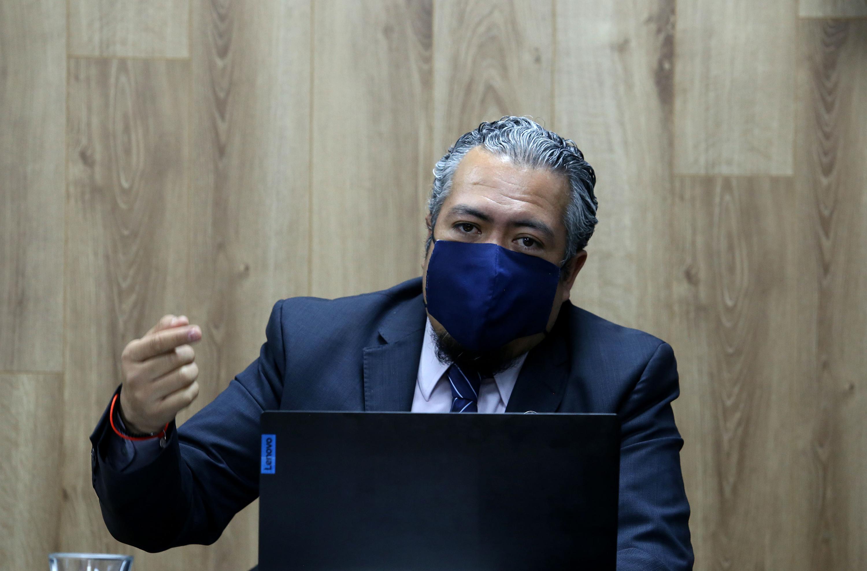 El investigador del Centro Universitario de Ciencias Económico Administrativas (CUCEA), de la UdeG, doctor Héctor Iván del Toro Ríos