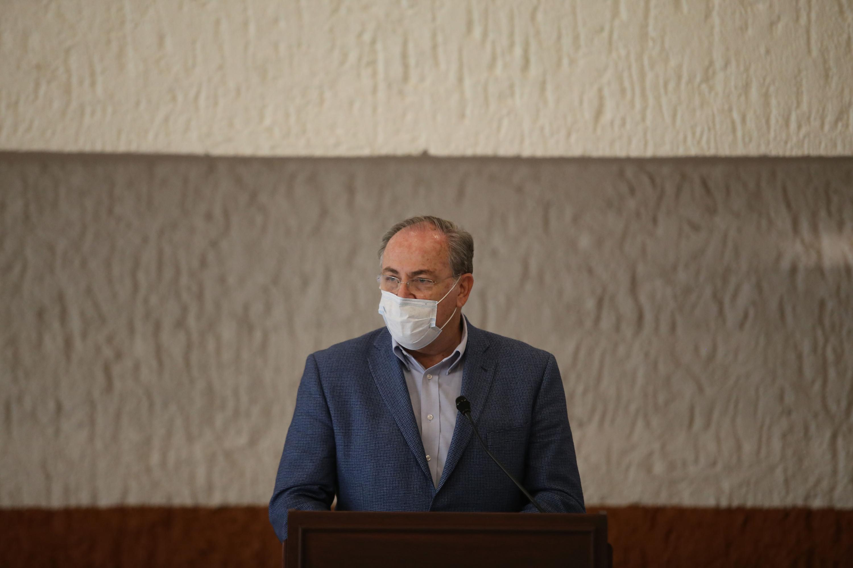 El Secretario de Salud Jalisco, doctor Fernando Petersen Aranguren