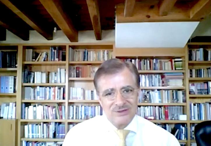 El maestro Itzcóatl Tonatiuh Bravo Padilla, economista y político mexicano
