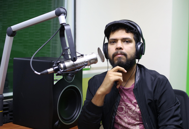 Iván Serrano Jauregui, periodista de La gaceta UdeG y licenciado en Periodismo por el Centro Universitario de la Ciénega (CUCiénega)