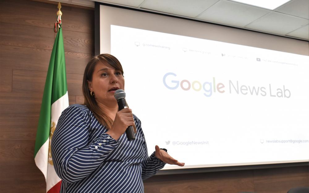 La profesora de Google New Lab para México y Centro América, la maestra Mariana Alvarado