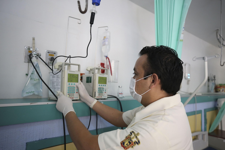 Diana Laura Cervantes García fue la encargada de hilar las historias de pacientes que son atendidos por especialistas del Hospital Civil de Guadalajara