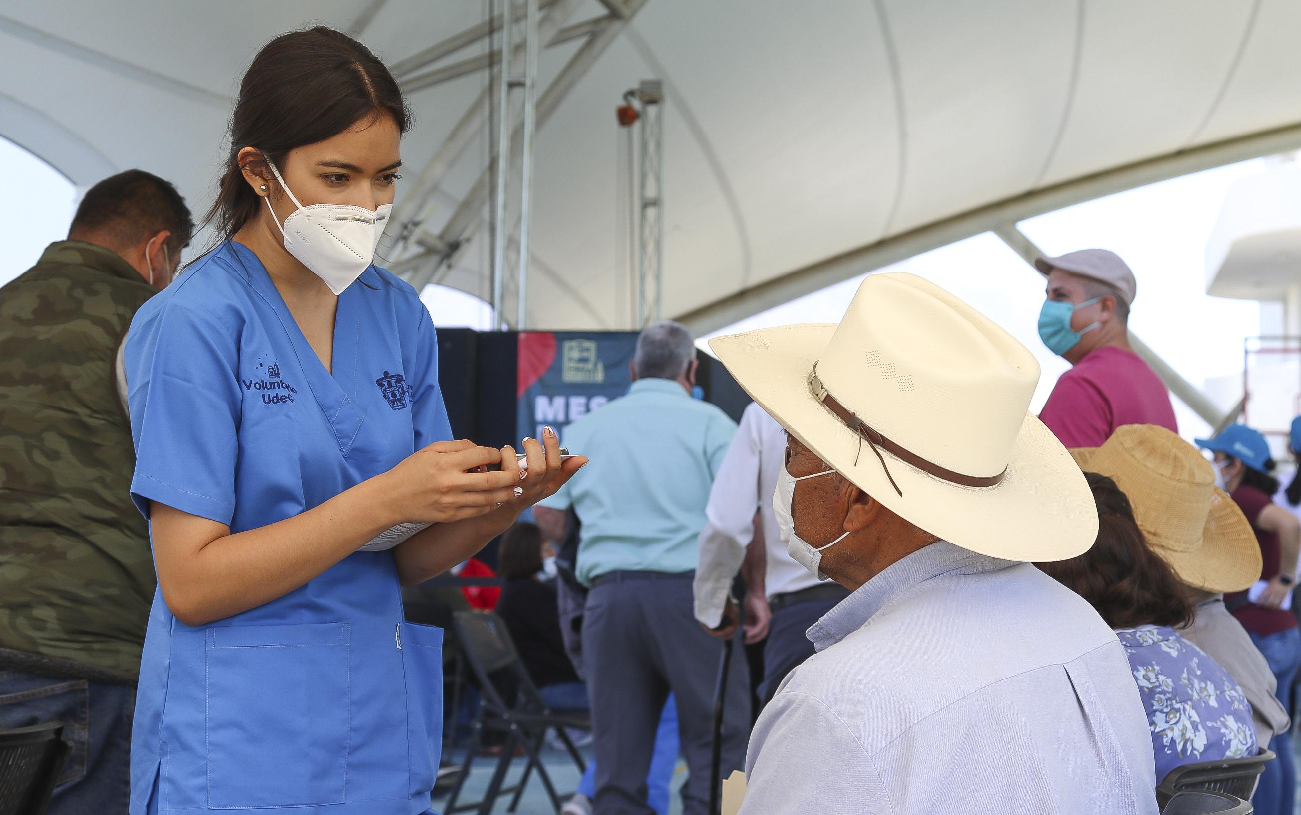 Esta semana se aplicarán alrededor de 5 mil dosis de CanSino a personas mayores de 60 años