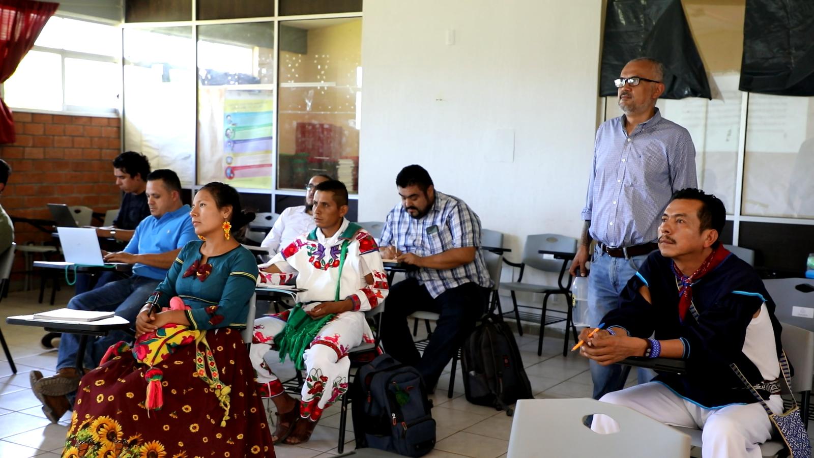 El plantel trabaja en el diseño de un nuevo programa educativo que busca reforzar la vinculación entre la docencia y los pueblos originarios