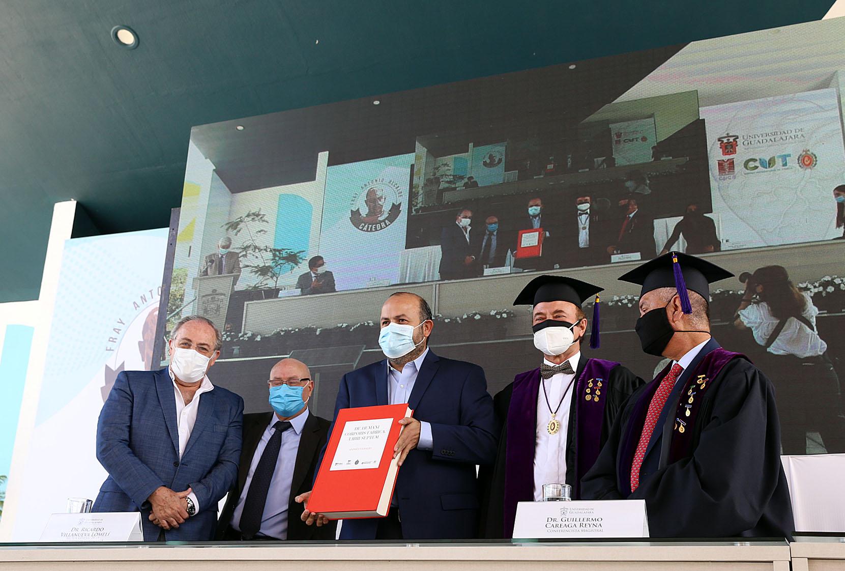 Guillermo Careaga Reyna comparte estado actual de la cirugía cardiotorácica, durante Cátedra Fray Antonio Alcalde, en CUTonalá