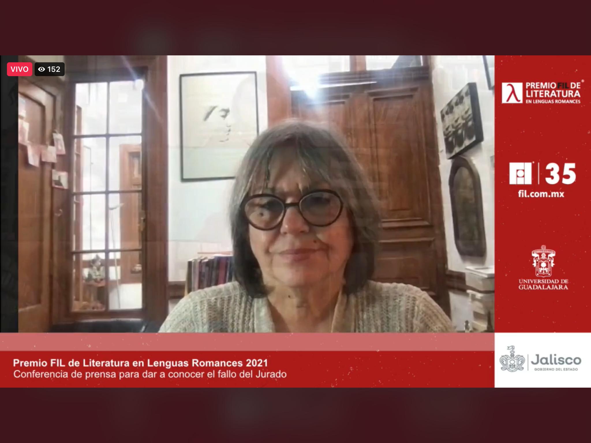 La galardonada reconoce la influencia que ha tenido de escritores mexicanos, y agradece la decisión del jurado