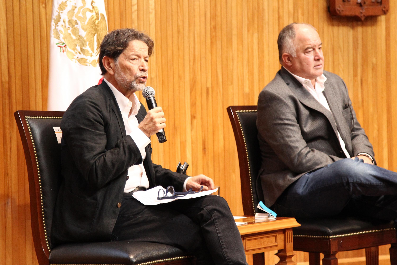"""En el marco de la tercera mesa Los desafíos del periodismo, durante el foro """"Los desafíos de la libertad de expresión"""""""