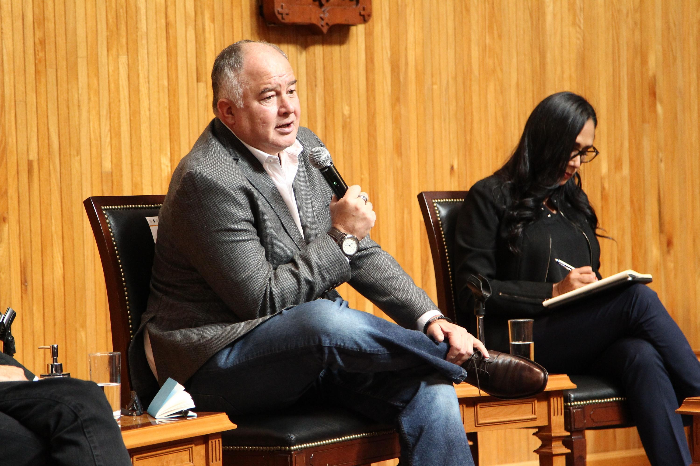 Analizan riesgos que abonan a la precariedad del oficio periodístico en México