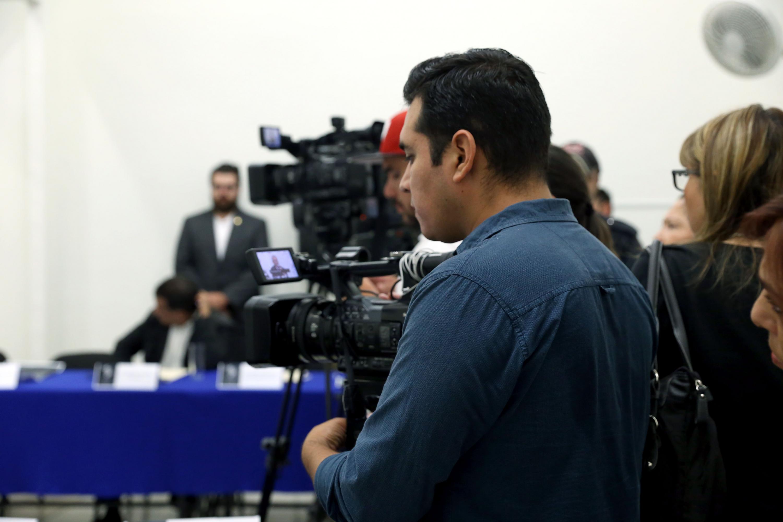 Medios de comunicación grabando la rueda de prensa