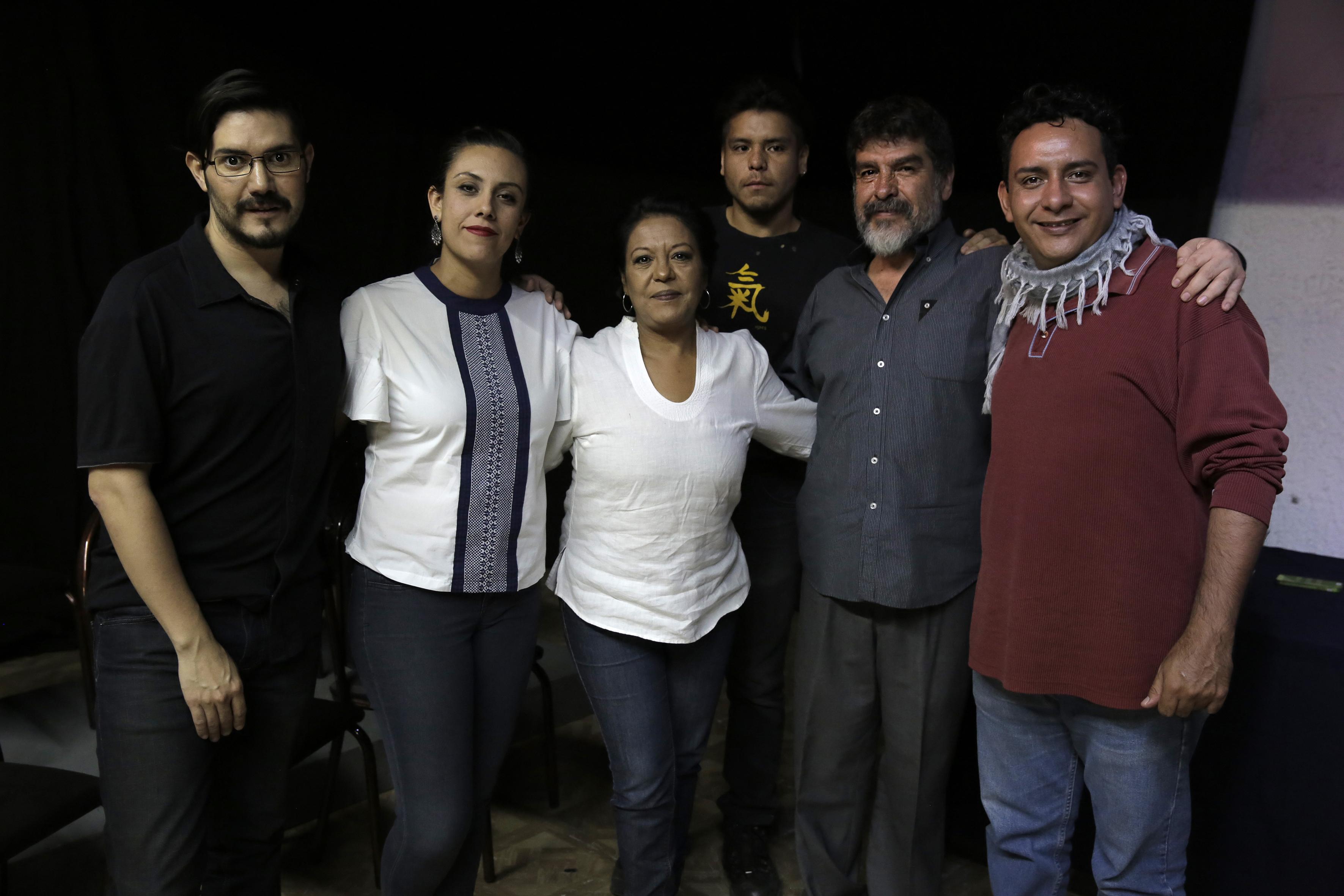 """Miembros organizadores del próximo """"Encuentro Internacional de Teatro Universitario (IETU)"""", en el marco del Día Internacional del Teatro."""