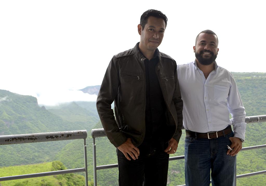 Carlos Rosas Núñez y José Guadalupe Jiménez Pérez, egresados  CUAAD