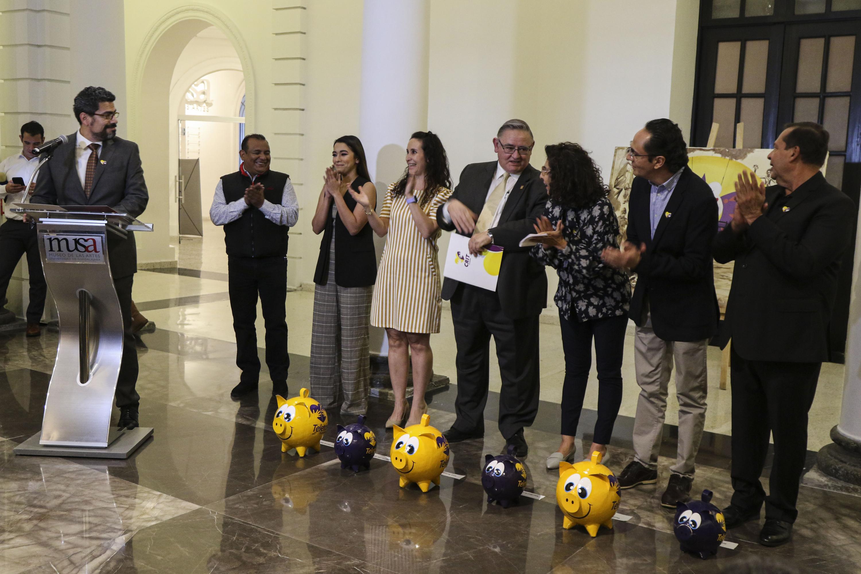 Autoridades del MUSA, CRIT y Santo Coyote inauguran muestra