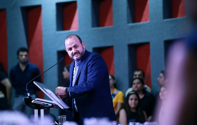 Rector General de la Universidad de Guadalajara, doctor Ricardo Villanueva Lomelí, en uso de la palabra