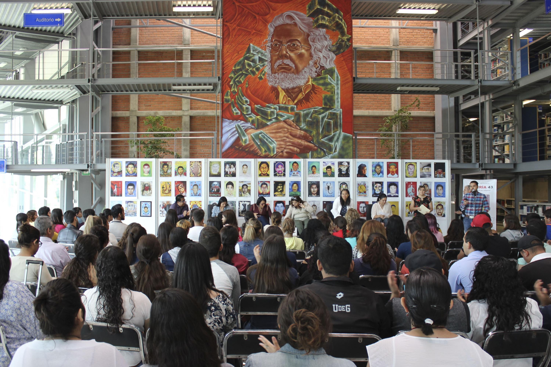 La Biblioteca de CUCIENEGA fue la sede del evento. Presentadores y asistentes