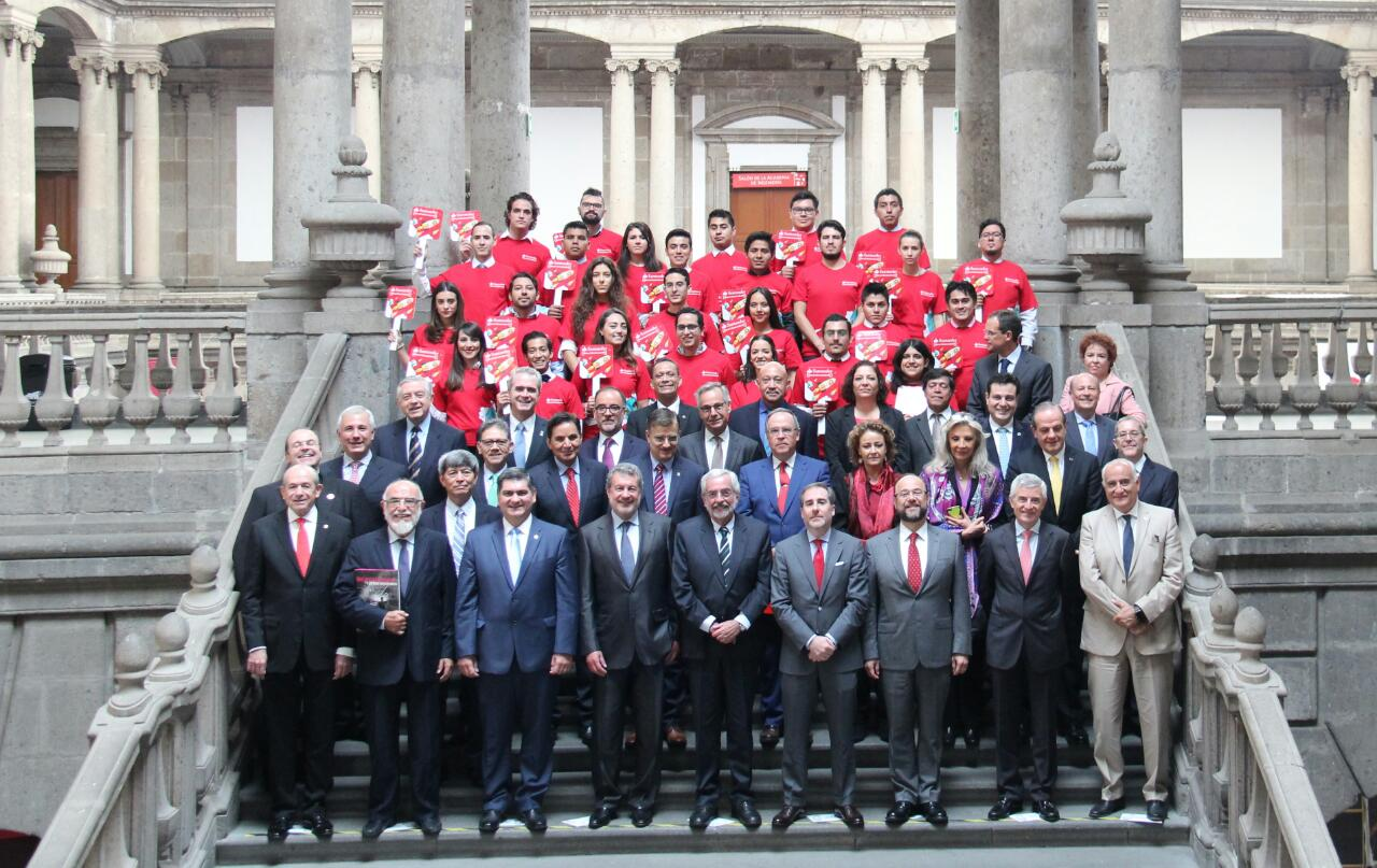 Rectores de las distintas universidades mexicanas que forman parte del Consejo de Universia