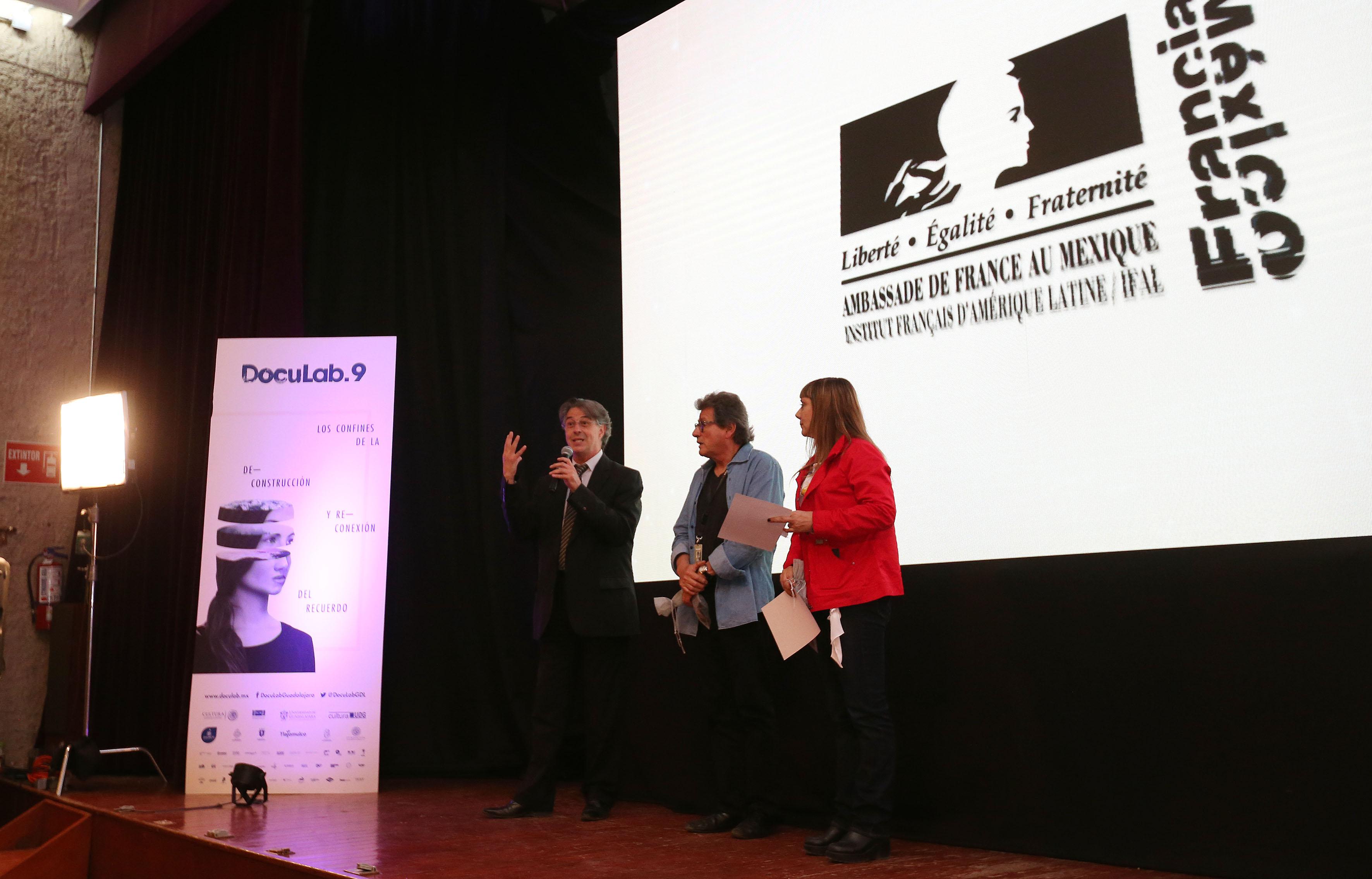 """Ceremonia de premiación, de la novena edición de """"Doculab GDL"""", en el marco del Festival Internacional de Cine en Guadalajara (FICG 32)."""