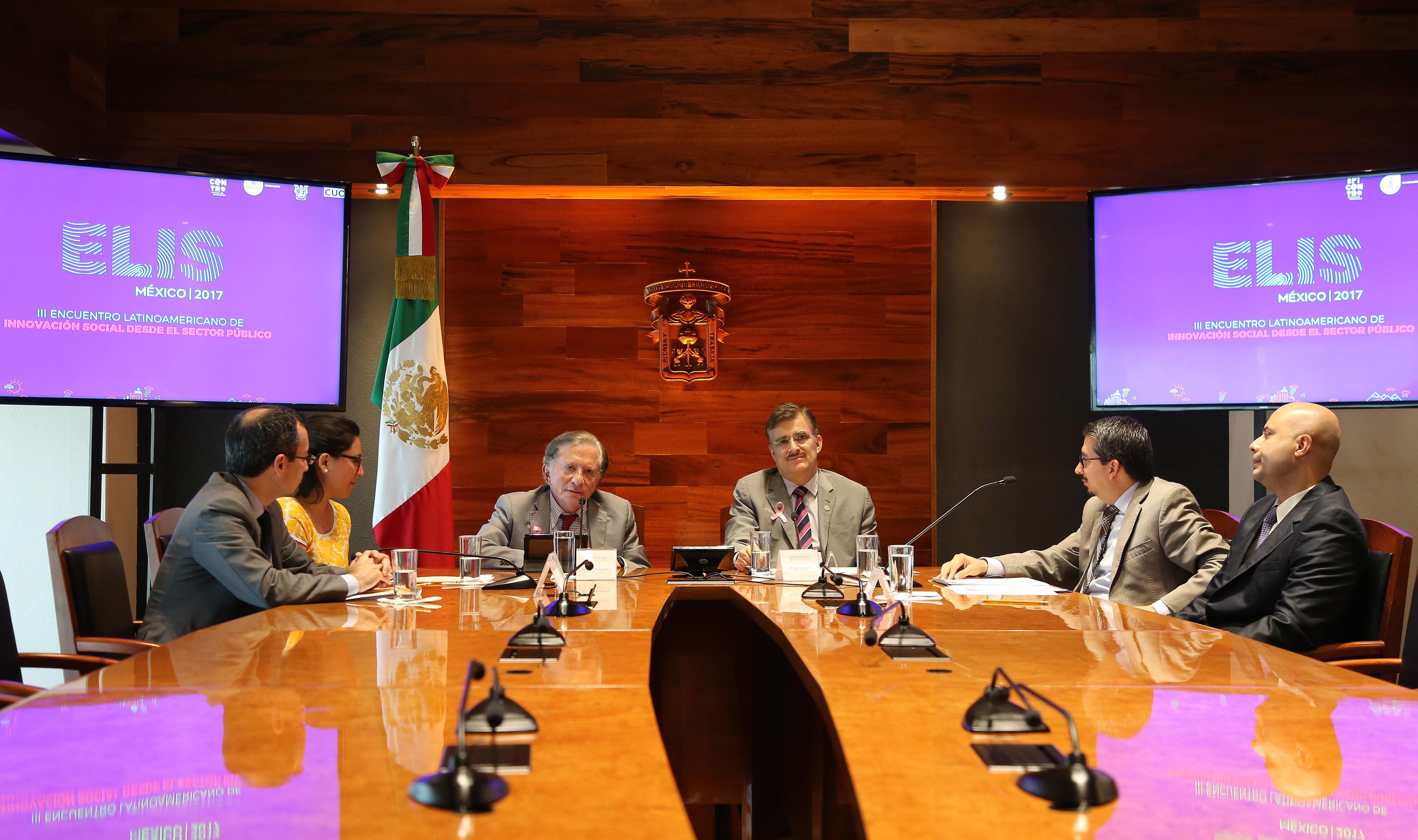 Conferencia de prensa para dar a conocer el programa del Encuentro Latinoamericano de Innovación Social, a realizarse del 31 de octubre al 2 de noviembre