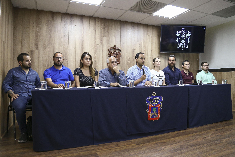 Presidente de la FEU, Jesús Medina Varela, haciendo un llamado a la comunidad estudiantil.