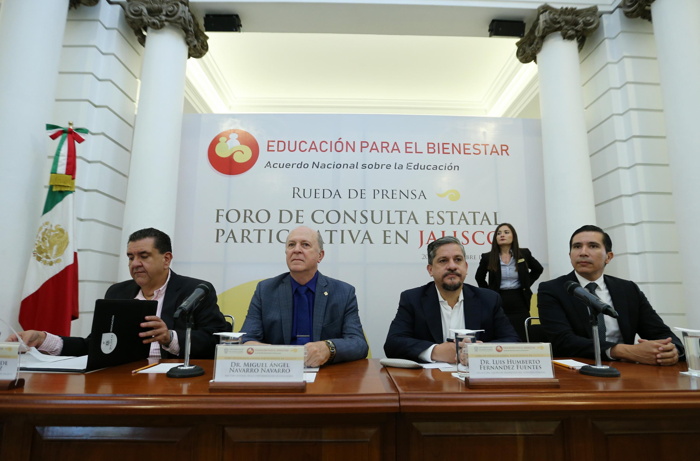 Autoridades participante en la rueda de prensa para dar a conoce el Foro de Consulta Estatal Participativa en Jalisco.
