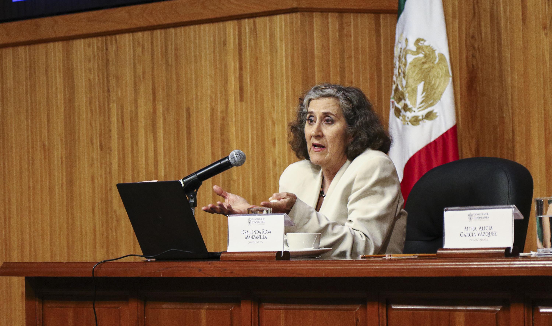 La arqueóloga mexicana, miembro del Colegio Nacional Linda Rossa Manzanilla Naim ofrece conferencia en la Cátedra Latinoamericana Julio Cortázar