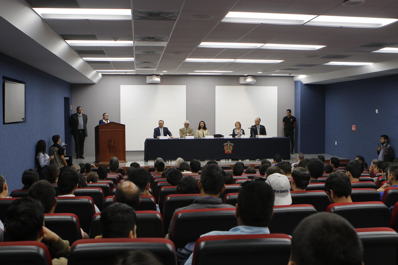 En las instalaciones de uno de los auditorios del CUCEI, autoridades de la UdeG y del CAPEF