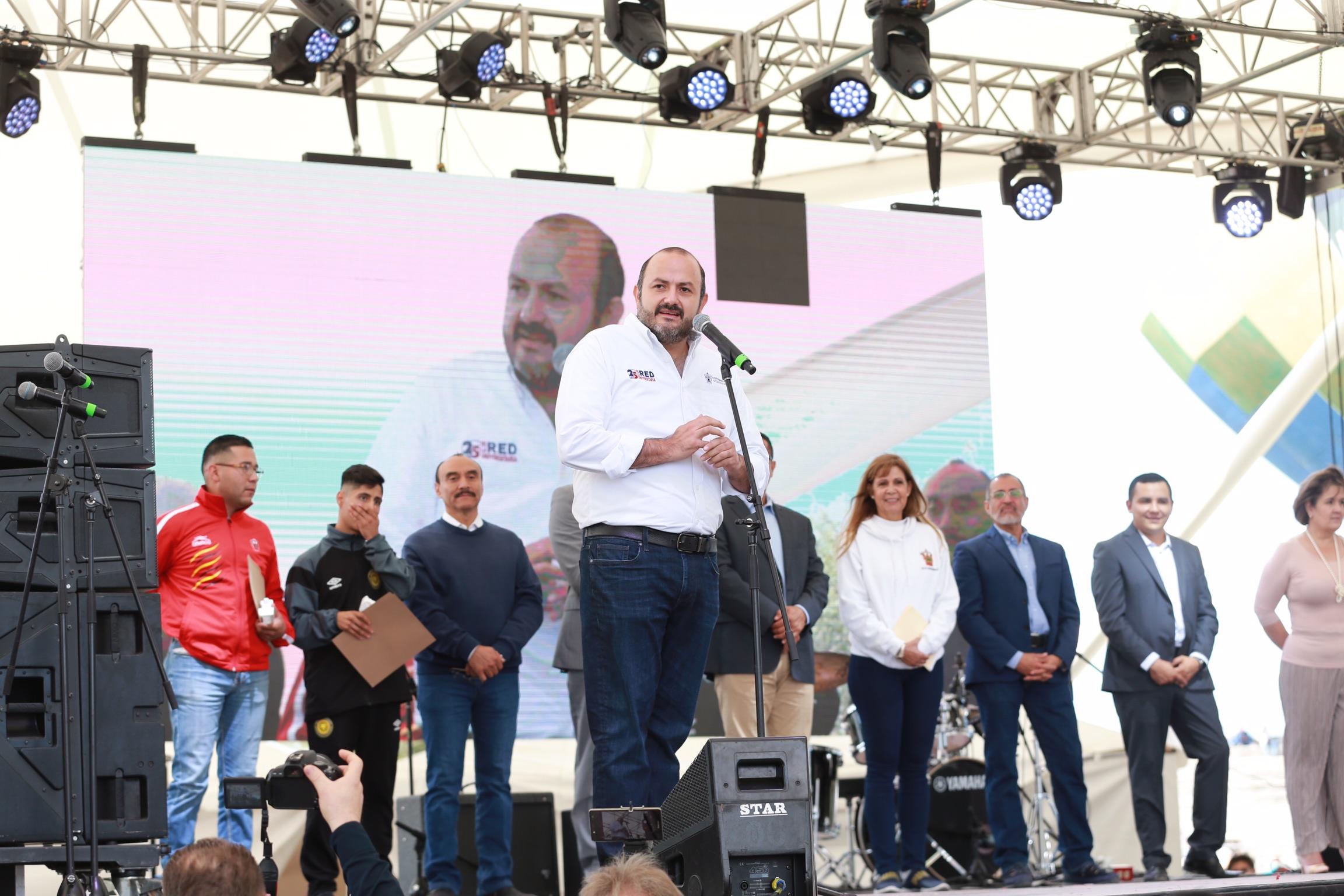 En su discurso el doctor Ricardo Villanueva Lomelì, en actividades del Festival Regional CUNorte, con motivo de los 25 años de la Red