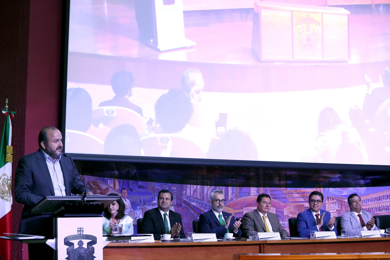 En su mensaje el Rector General, doctor Ricardo Villanueva