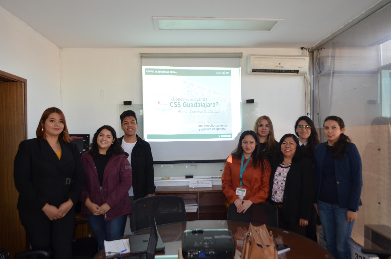 Estudiantes participan en investigación de mercado para mayor difusión