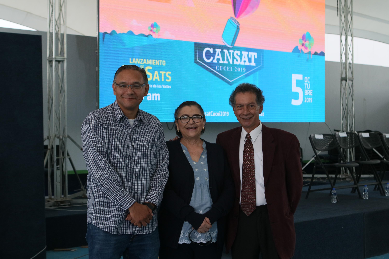 Autoridades universitarias dan la bienvenida a los estudiantes de CanSat 2019