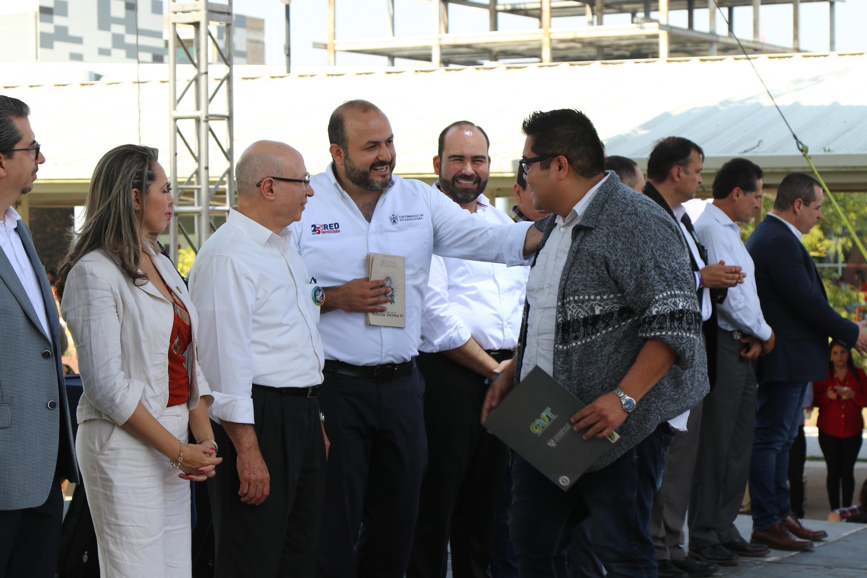 En la entrega de reconocimientos a comunidad de CUTonalá