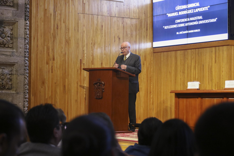 El doctor José Narro, en el Paraninfo brinda conferencia magistral