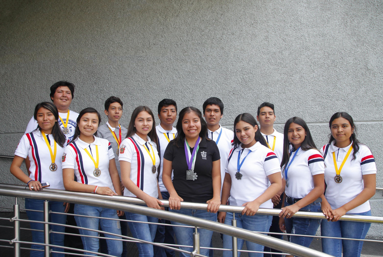 Estudiantes de la Preparatoria de Jocotepec de la Universidad de Guadalajara (UdeG) obtuvieron medallas de platino, oro y plata